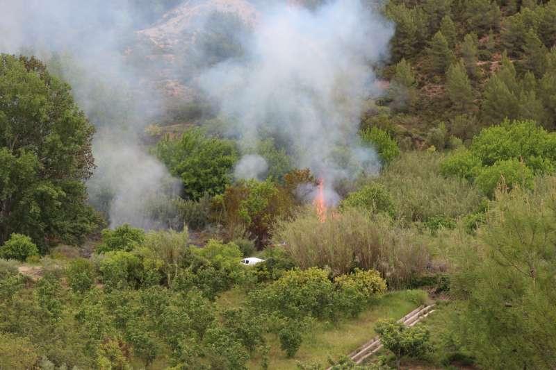 Cabeza del incendio río abajo