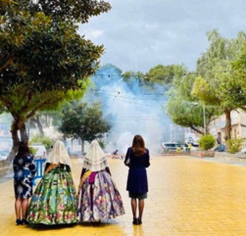 Benaguasil conmemora el 19 de marzo con actos que simbolizan las Fallas y la Nit de la Cremà. EPDA.