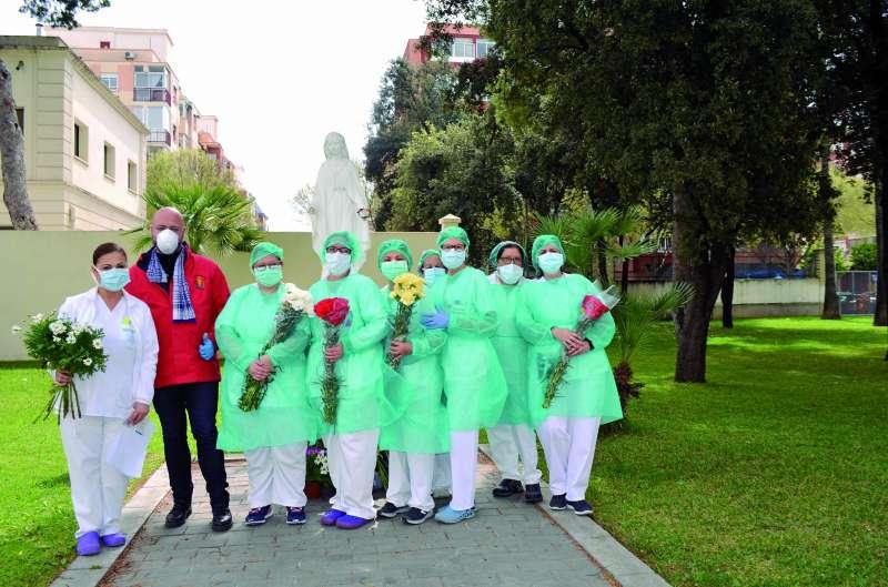 Moncada rinde homenaje a las personas que están trabajando para frenar el virus. epda