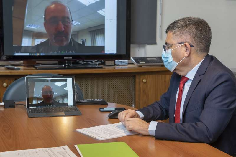 Reunión telemática entre Fulgencio y Gómez