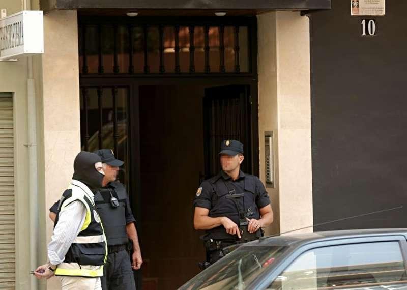 Agentes de la Policía Nacional en una operación. Archivo/EFE