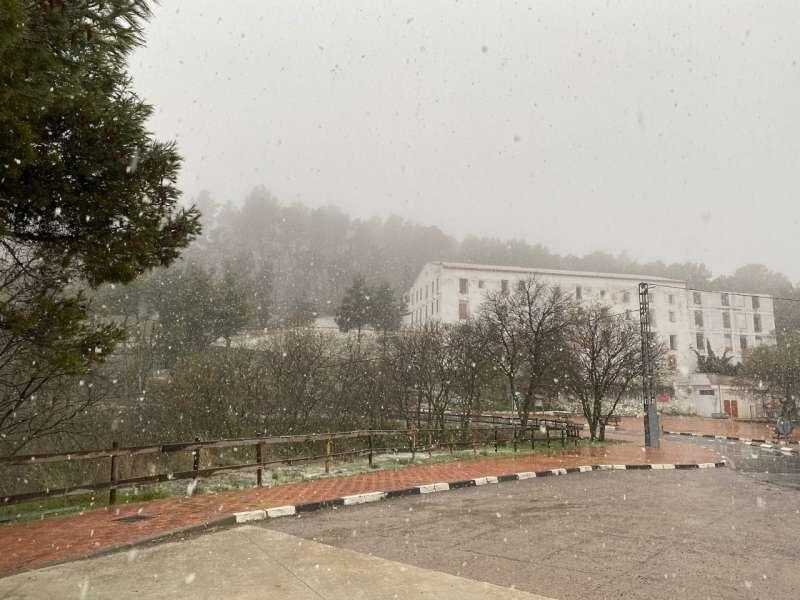 Niebla y nieve en el Santuario de la Cueva Santa. Foto: Mª Martín