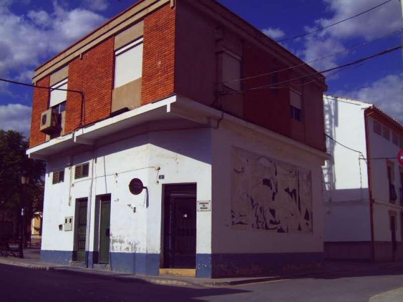 Antigua Casa de Teléfonos en el edificio de la C. T.N.E. en Casinos. / Archivo JSMS.