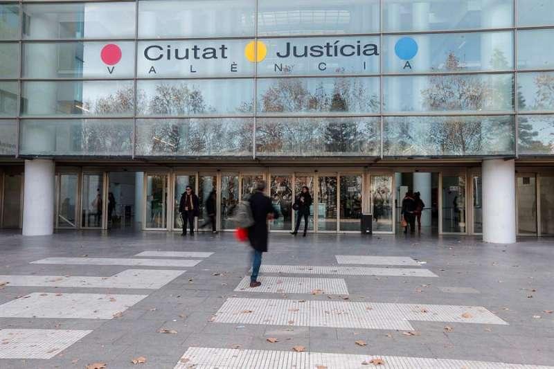Fachada de la Ciudad de Justicia de València. EFE