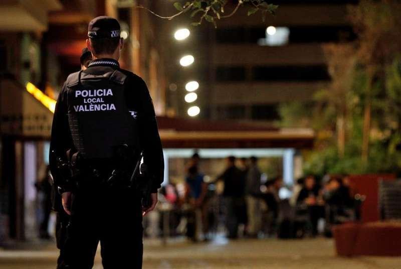 Policía en Valencia. EPDA