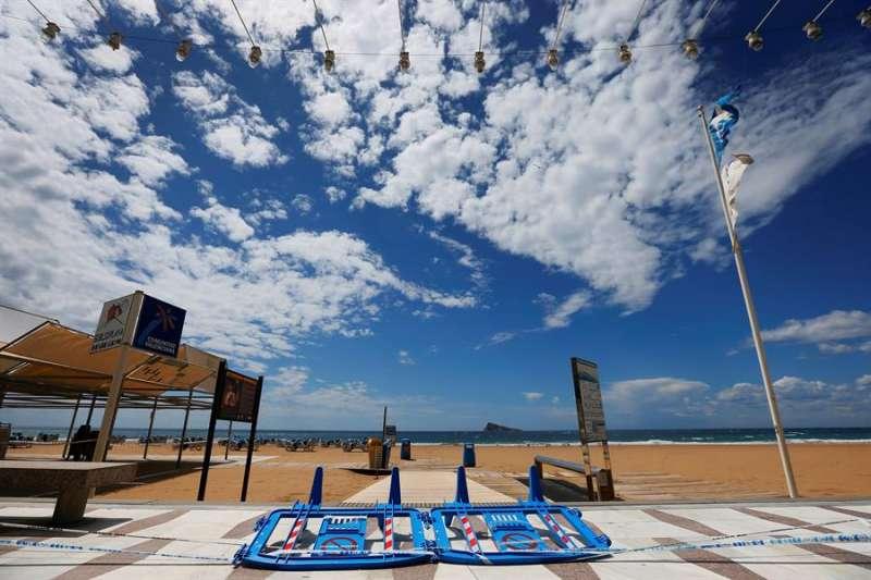 Imagen de la playa de Levante en Benidorm. EFE