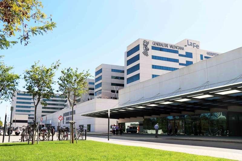 Fachada del Hospital La Fe de Valencia. EFE