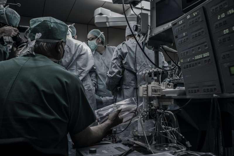 Médicos con mascarilla / EPDA