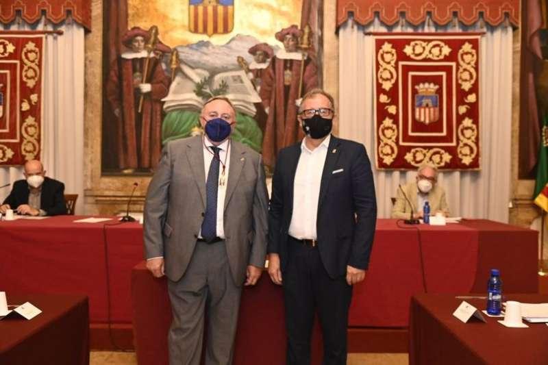 Vicente Rodríguez con el presidente de la Diputación