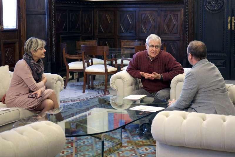 Joan Ribó amb Marisa Gallen i Xavi Calvo