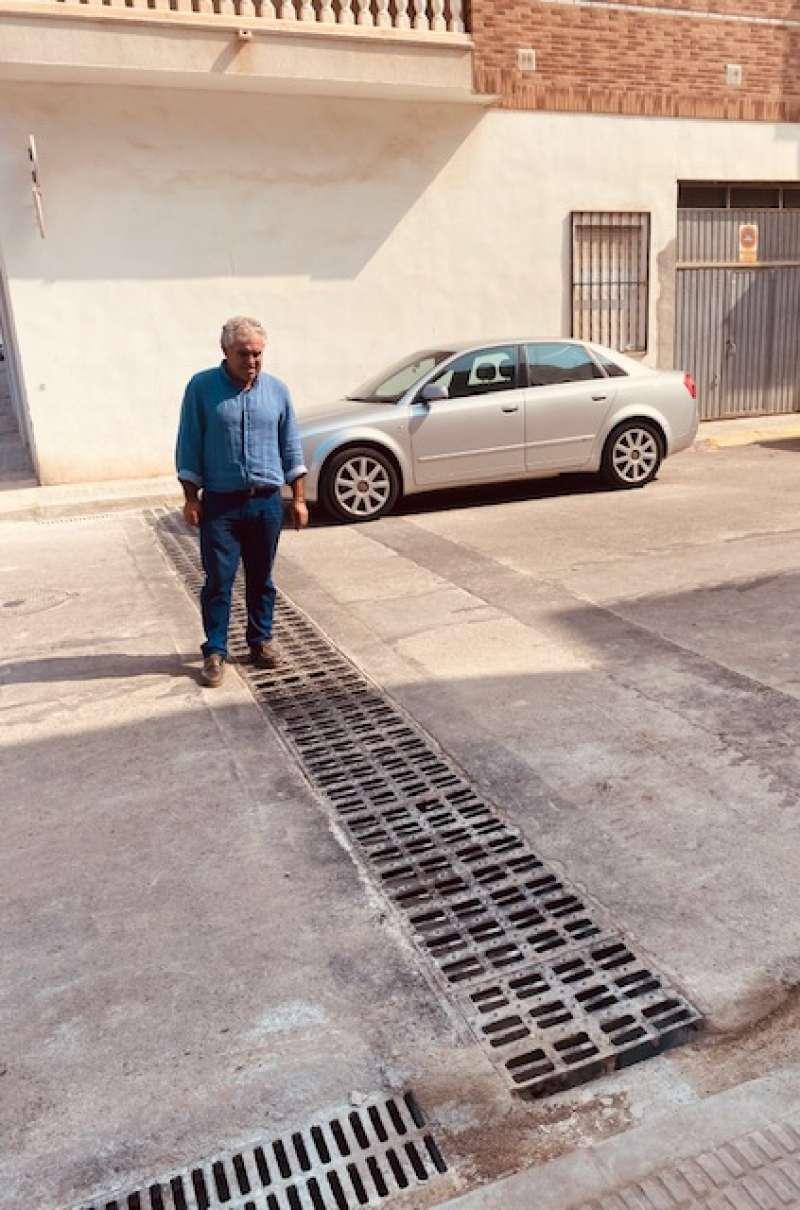 Obras de drenaje en la plaza dels Mariners