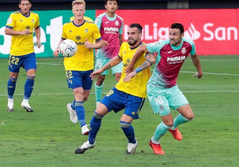 Partido de la primera vuelta de la liga entre el Villarreal y el Cádiz. EFE