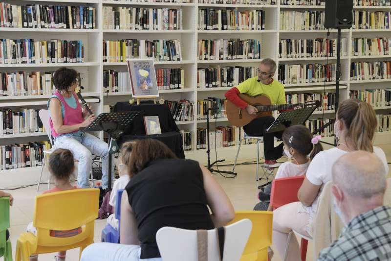 Activitats d?animació lectora a la Biblioteca Pública de Paiporta.