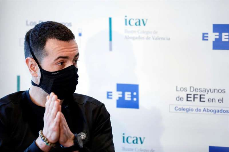 El cocinero Ricard Camarena en una imagen de archivo durante una entrevista con EFE. EFE/ Ana Escobar/Archivo