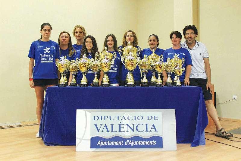 Finalistes de Beniparrell del campionat de raspall per trios a l?any 2013. EPDA