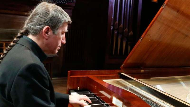 Tony Millán utilizara un piano del siglo XVII traído de El Escorial