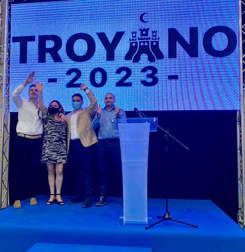 Acto del alcalde Héctor Troyano cuando presentó su candidatura./EPDA