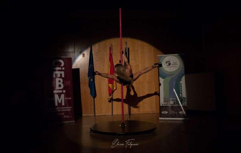 Espectáculo de Pole Dance en la gala de los comerciantes. EPDA