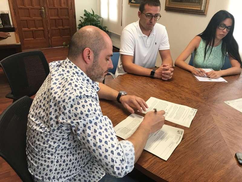 Signatura del contracte. EPDA