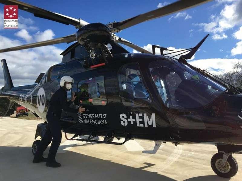 Helicóptero que participan en las labores de búsqueda / EFE