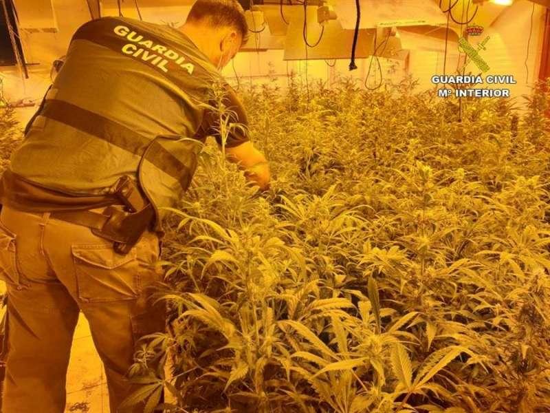 Imagen de la operación cedida por la Guardia Civil. EFE