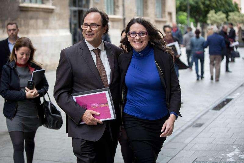 La vicepresidenta y portavoz del Consell, Mónica Oltra y el conseller de Hacienda, Vicent Soler. EFE/Archivo