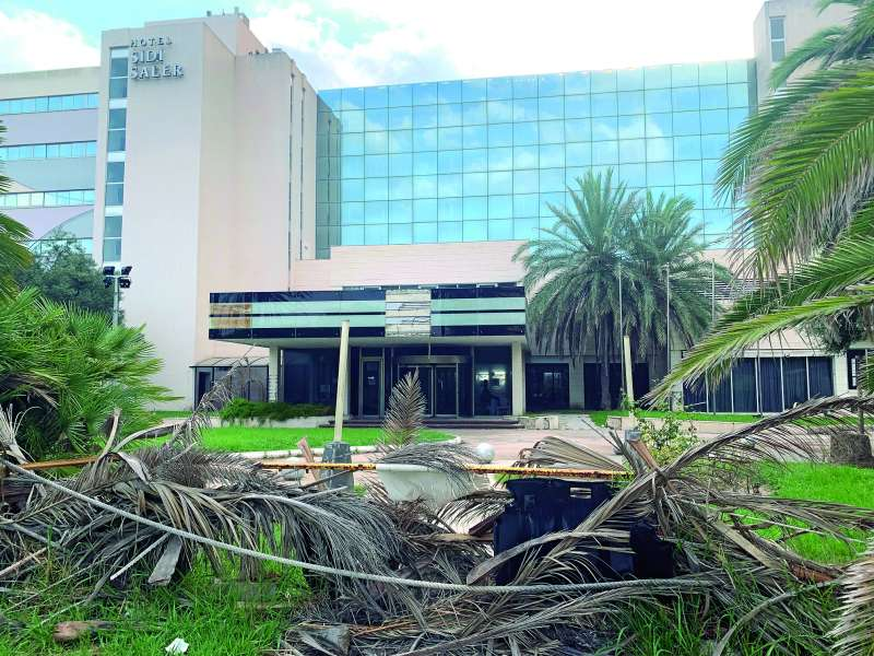 El hotel se degrada por culpa de las trabas del Ayuntamiento de Valencia. EPDA