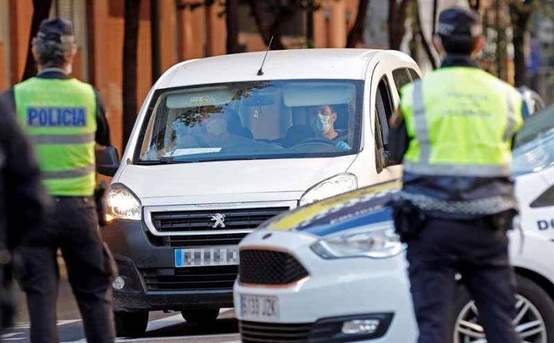 La Policía Local de Valencia vigila las calles en una imagen de archivo.EFE/ Juan Carlos Cárdenas