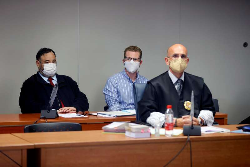 El padre de los niños durante el juicio