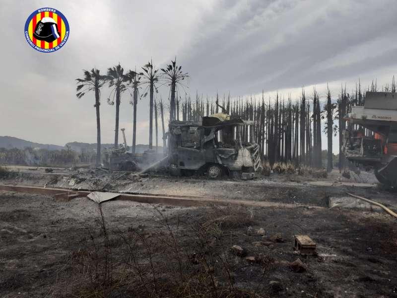 Imagen incendi a Polinyà de Xúquer./Consorci de Bombers