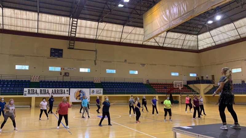 Mayores en plena actividad física. / EPDA
