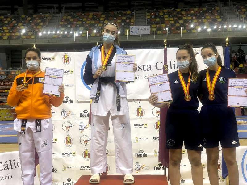 La paiportina Nerea Portillo, subcampiona d?Espanya junior de taekwondo.