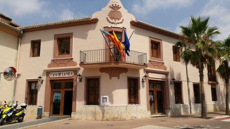 Fachada del ayuntamiento de Museros. EPDA