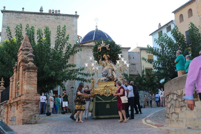 La Divina Pastora llegando a la calle del Rey Don Jaime