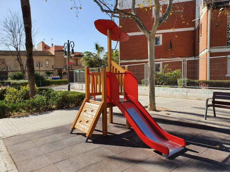 Parque infantil renovado. EPDA