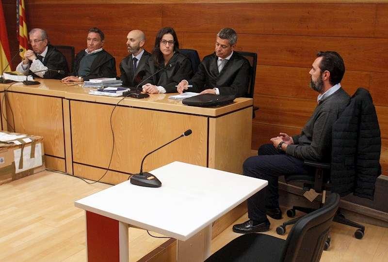 Momento del juicio por el crimen a tiros de la viuda del expresidente de Caja Mediterráneo (CAM) Vicente Sala, María del Carmen Martínez. EFE