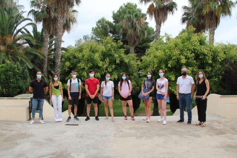 El grupo de alumnos ha sido recibido por el alcalde de la localidad. / EPDA