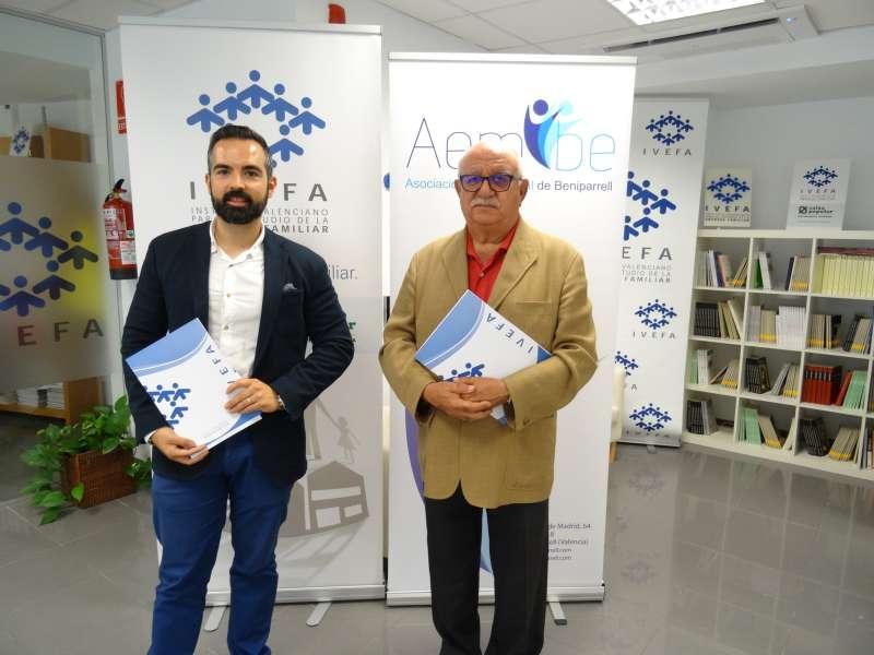 Firma convenio entre AEMBE e IVEFA.
