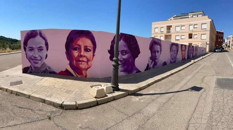 Mural feminista en Geldo