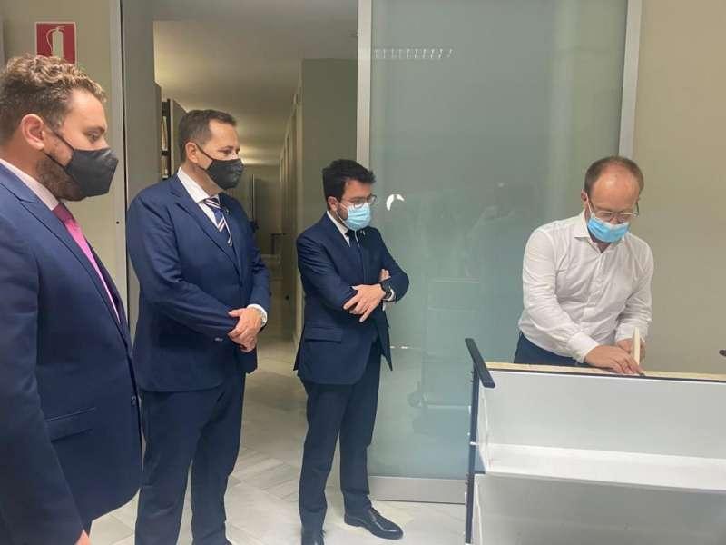Pere Aragonés en la seua visita al Museu Joan Fuster./EPDA