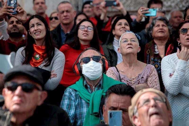 Público en una mascletà de 2020. EFE