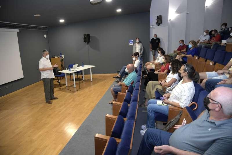 La presentació de la primera comunitat energètica local d?autoconsum de Paiporta.
