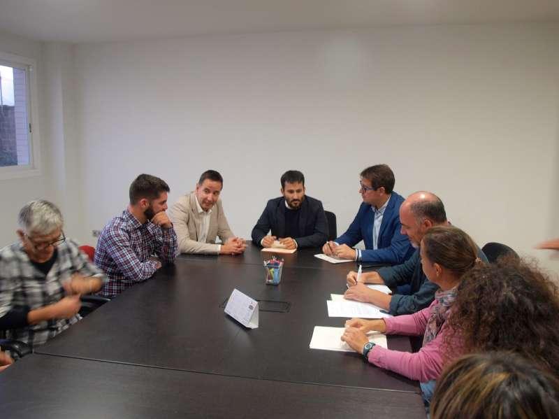 Reunió Vicent Marzà amb la junta de l