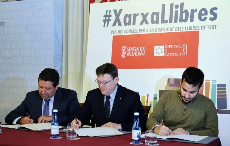 Firma del convenio de colaboración que han suscrito el President de la Generalitat, Ximo Puig, el conseller de Educación, Investigación, Cultura y Deporte, Vicent Marzà y el presidente de la Diputación de Castellón, Javier Moliner