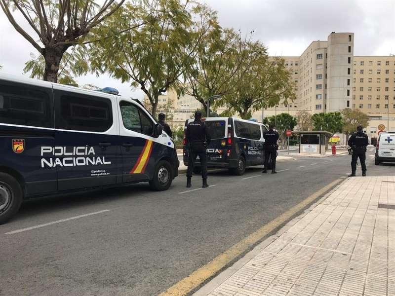 Vehículos de la Policía Nacional. EFE