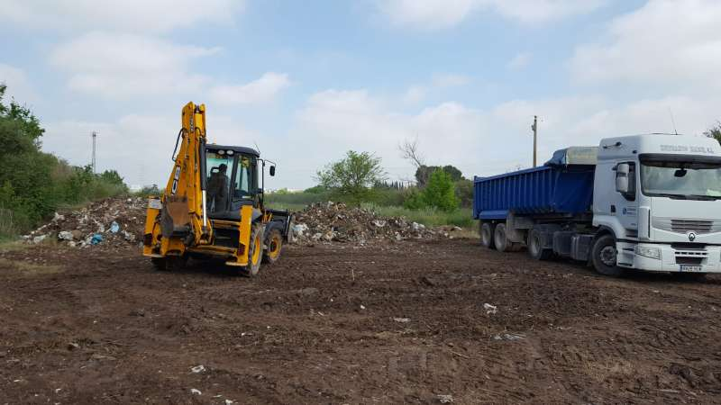 Recogen más de 115 toneladas de basura en el paso del río Turia por Manises. EPDA