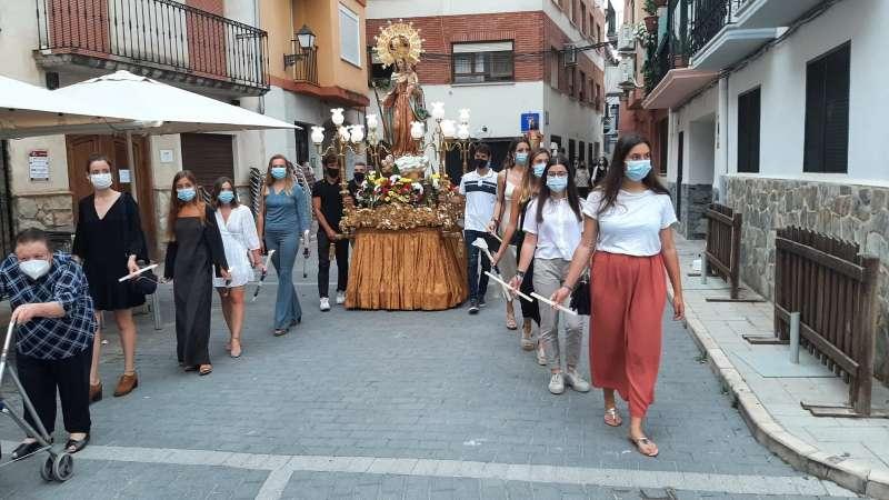 Las mascarillas no faltaron en la procesión