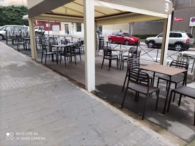 Terraza de bar-cafetería en Castellón. EPDA