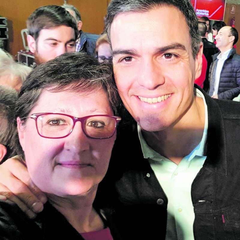 Regina con Pedro Sánchez. / EPDA