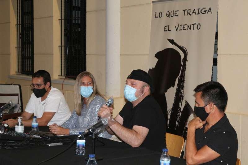 Fran Conde junto a la concejala de Cultura, Marisa López